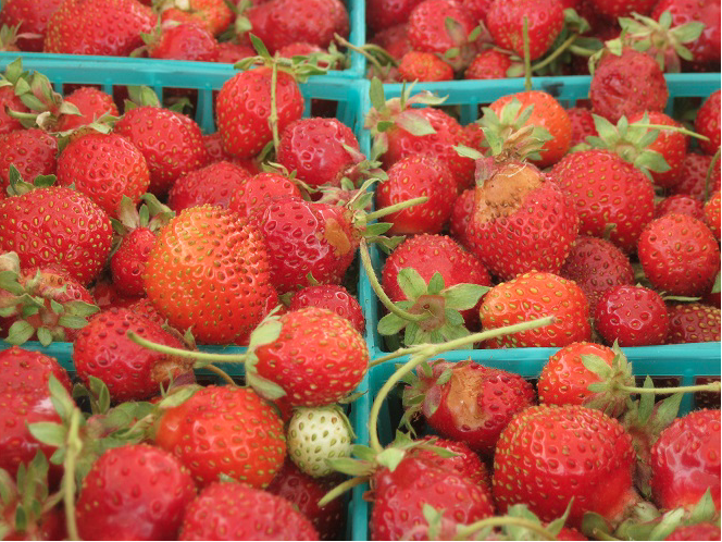 RV Market Strawberries